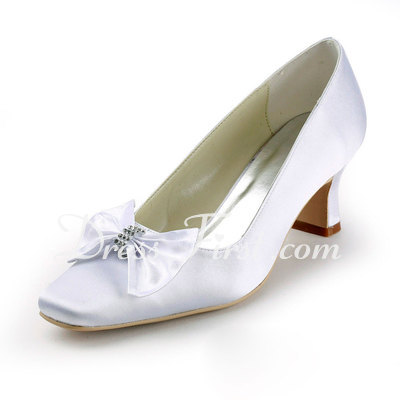 Women's Satin Chunky Heel Closed Toe Pumps With Bowknot Rhinestone (047011892)