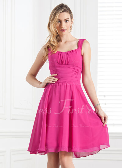 A-Line/Princess Scoop Neck Knee-Length Chiffon Bridesmaid Dress With Ruffle (007004171)