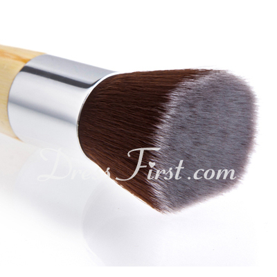 New Bamboo Handle Foundation Brush (046024414)