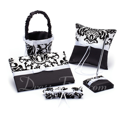 Damask Design Collection Set in Satin With Ribbons/Bow (100017979)