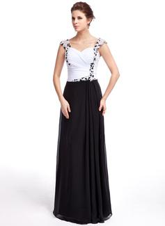 Kılıf Kalp Kesimli Uzun Etekli Chiffon Gece Elbisesi Ile Büzgü Boncuklama