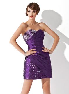 Vestido tubo Escote corazón corto rodilla-longitud Tafetán Baile de promoción con Volantes Bordado