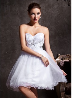A-Line/Princess Sweetheart Short/Mini Tulle Homecoming Dress With Lace Beading