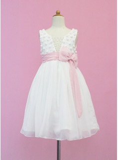 A-Line/Princess Scoop Neck Tea-Length Chiffon Tulle Flower Girl Dress With Sash Beading