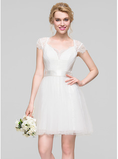 A-Line/Princess Sweetheart Short/Mini Tulle Bridesmaid Dress With Ruffle