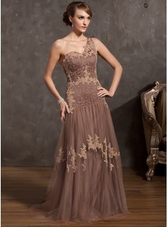 A-Line/Princess One-Shoulder Sweep Train Tulle Charmeuse Mother of the Bride Dress With Lace Beading