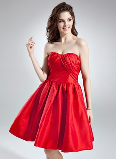A-Line/Princess Sweetheart Knee-Length Taffeta Cocktail Dress With Ruffle Bow(s)