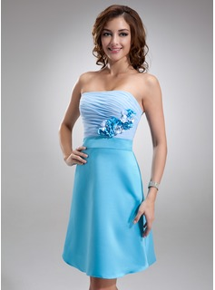 A-Line/Princess Strapless Knee-Length Chiffon Charmeuse Homecoming Dress With Ruffle Flower(s)