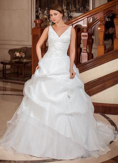 Corte de baile Escote en V Cola capilla Tafetán Vestido de novia con Volantes Los appliques Encaje