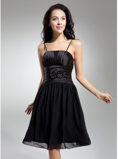 A-Line/Princess Knee-Length Chiffon Charmeuse Homecoming Dress With Ruffle Flower(s)