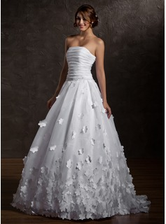 Ball-Gown Strapless Sweep Train Organza Wedding Dress With Ruffle Flower(s)