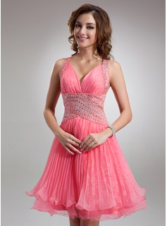 A-Line/Princess V-neck Knee-Length Organza Tulle Homecoming Dress With Ruffle Beading