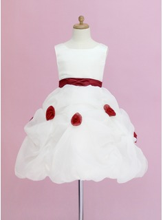 Plesové Po kolena Flower Girl Dress - Organza/Satén Bez rukávů Scoop Neck S Volán/Šerpy/Květiny/Pick Up sukně