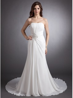 A-Line/Princess Sweetheart Chapel Train Chiffon Wedding Dress With Ruffle Beading Appliques Lace