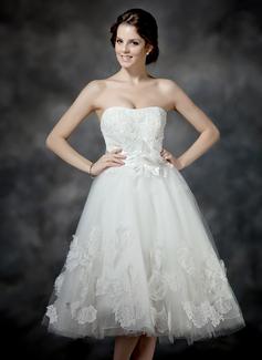 A-Linie/Princess-Linie Herzausschnitt Wadenlang Tüll Brautkleid mit Rüschen Spitze Perlen verziert Blumen Schleife(n)