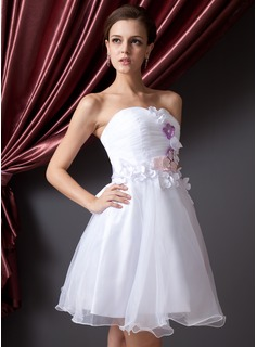 A-Line/Princess Sweetheart Short/Mini Organza Homecoming Dress With Ruffle Flower(s) Bow(s)