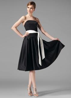 Çan/Prenses Askısız Diz Hizası Satin Nedime Elbisesi Ile Kuşaklar