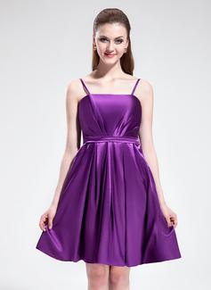 Imperialna Do Kolan Charmeuse Suknia dla Druhny Z Żabot