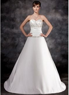 Forme Princesse Bustier en coeur Traîne mi-longue Charmeuse Robe de mariée avec Plissé Emperler