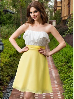 A-Line/Princess Sweetheart Knee-Length Chiffon Homecoming Dress With Cascading Ruffles
