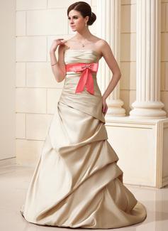 A-Linie/Princess-Linie Trägerlos Hof-schleppe Satin Brautkleid mit Rüschen Schleifenbänder/Stoffgürtel Perlen verziert Schleife(n)