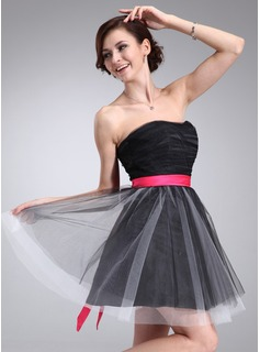 A-Line/Princess Sweetheart Short/Mini Satin Tulle Homecoming Dress With Ruffle Sash