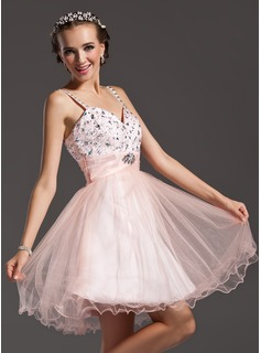 A-Line/Princess Sweetheart Knee-Length Satin Tulle Homecoming Dress With Ruffle Beading