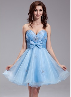 A-Line/Princess Sweetheart Knee-Length Taffeta Organza Homecoming Dress With Ruffle Beading Bow(s)