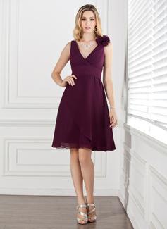 A-Line/Princess V-neck Knee-Length Chiffon Bridesmaid Dress With Ruffle Flower(s)
