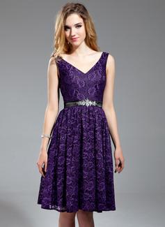 A-Line/Princess V-neck Knee-Length Charmeuse Lace Bridesmaid Dress With Sash Beading