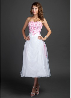 A-Line/Princess Sweetheart Tea-Length Organza Homecoming Dress With Embroidered Ruffle Beading