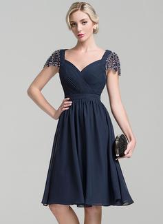 A-Linie/Princess-Linie Schatz Knielang Chiffon Kleid für die Brautmutter mit Rüschen Perlstickerei Pailletten