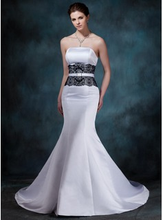 Mermaid Strapless Chapel Train Satin Lace Wedding Dress With Crystal Brooch