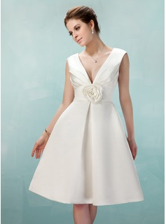 A-Line/Princess V-neck Knee-Length Satin Homecoming Dress With Ruffle Flower(s)