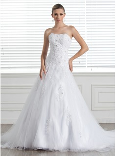 A-Line/Princess Sweetheart Chapel Train Satin Tulle Wedding Dress With Lace Beading