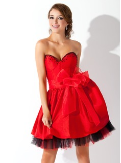 A-Line/Princess Sweetheart Short/Mini Taffeta Homecoming Dress With Beading Bow(s)