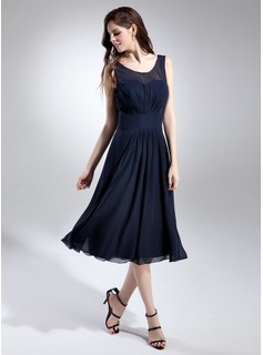 A-Line/Princess Scoop Neck Knee-Length Chiffon Bridesmaid Dress With Ruffle