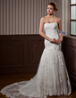 Trumpet/Mermaid Sweetheart Chapel Train Tulle Wedding Dress With Ruffle Lace Beading (002012915)