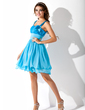 A-Line/Princess Sweetheart Knee-Length Chiffon Sequined Homecoming Dress With Ruffle (022013850)