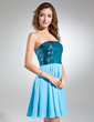 A-Line/Princess Strapless Short/Mini Chiffon Sequined Cocktail Dress (016015581)