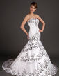 Trumpet/Mermaid Sweetheart Sweep Train Satin Wedding Dress With Embroidered (002015509)
