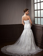 Trumpet/Mermaid Sweetheart Court Train Tulle Wedding Dress With Lace Beading (002014266)