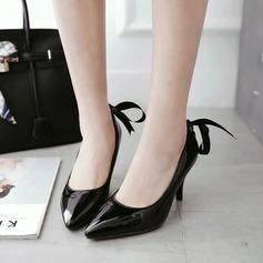 Dla kobiet PU Obcas Stiletto Czólenka Zakryte Palce Z Nit Wstążka obuwie