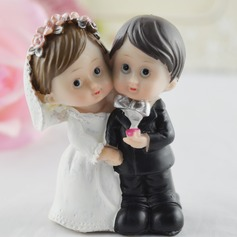 Figurine Bride And Groom Resin Wedding Cake Topper