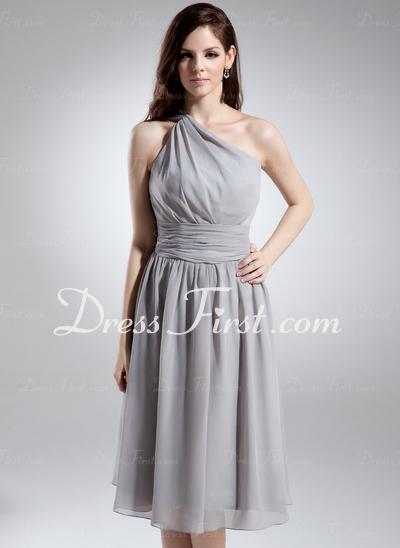 Místo pronájem profesionální designér navrhnout svatební šaty fa0dc3360c